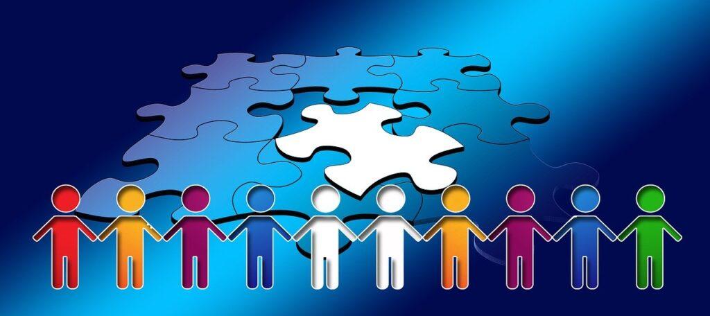 puzzle y personas unidas