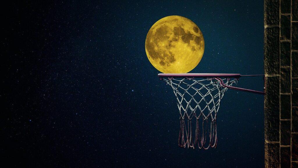 moon 4919501 1280 1024x578 - Sobre lo Posible, lo Imposible y lo improbable - networking coworking emprededores empresarios